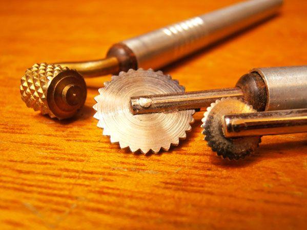 70eda9c1b099 Las herramientas para repujar en aluminio   Navidad   Repujado ...
