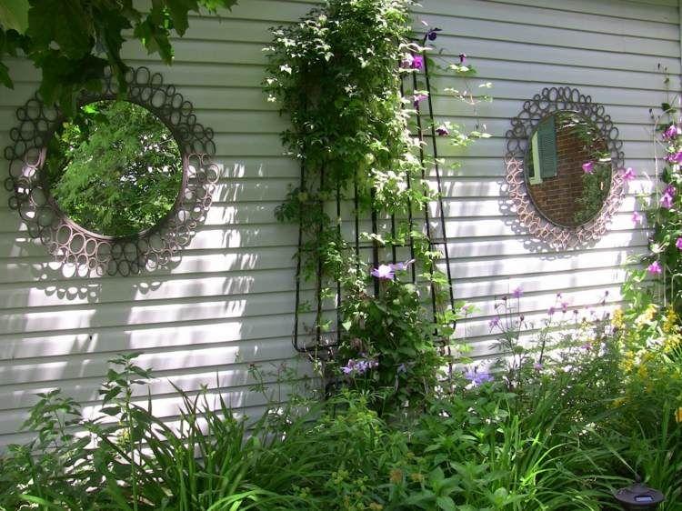 Miroir extérieur pour une déco de jardin extraordinaire