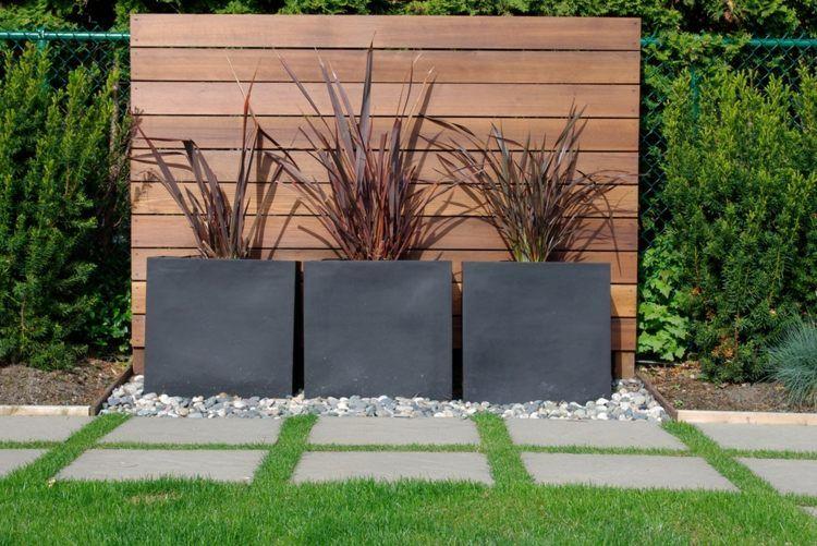 Pflanzkübel als sichtschutz können erfolgreich den zaun ersetzen ...