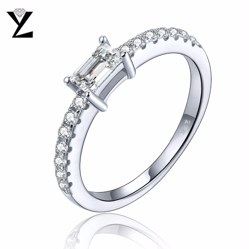 YL Women Ring Jewelry 925 Sterling Silver with White Gold Plated Cubic Zirconia Crisscross Ring a0la03x