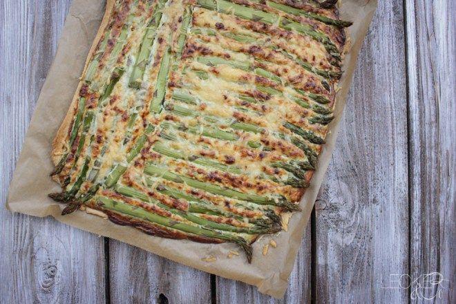 Tarte von grünem Spargel - LECKER&Co   Foodblog aus Nürnberg