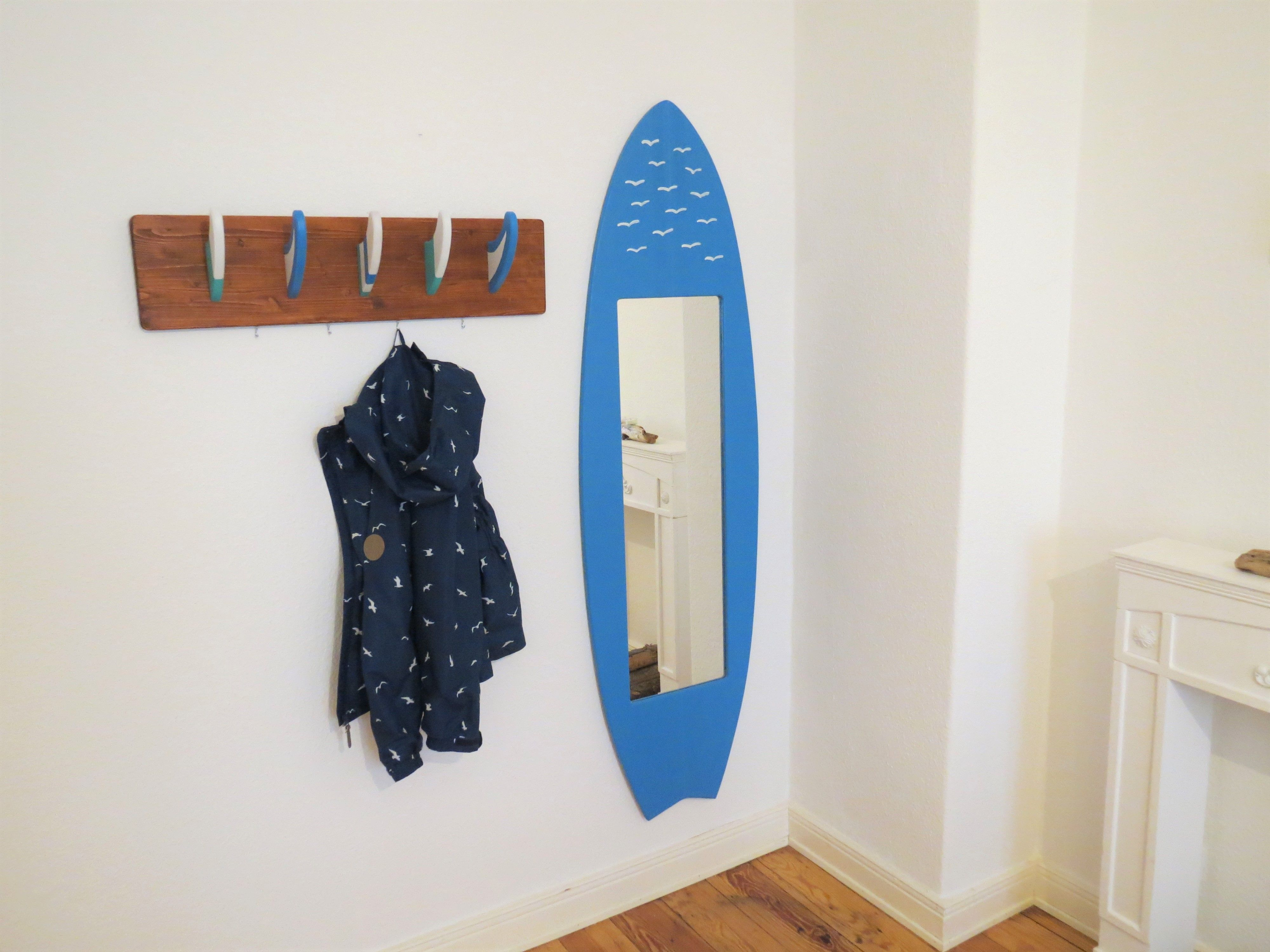 surfbrett surfboard spiegel + surf finnen garderobe: surf möbel, Wohnzimmer dekoo