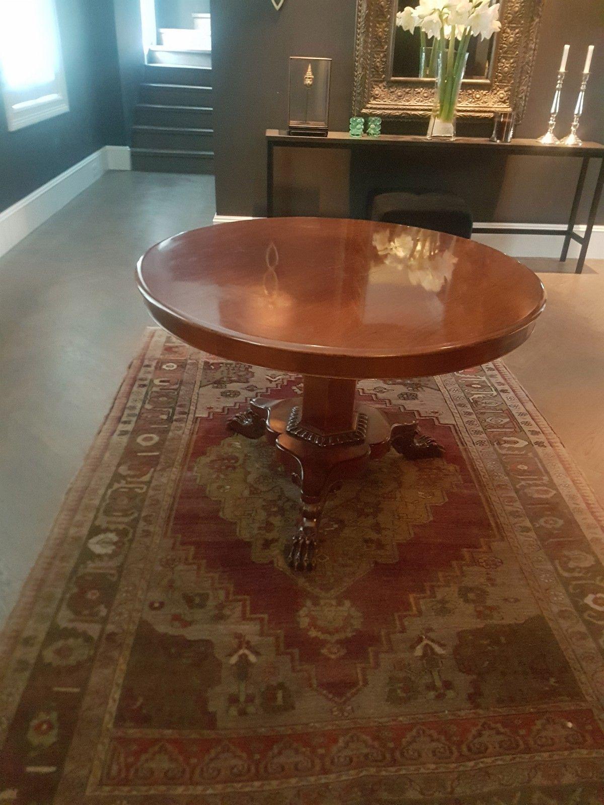 FINN – Rundt bord