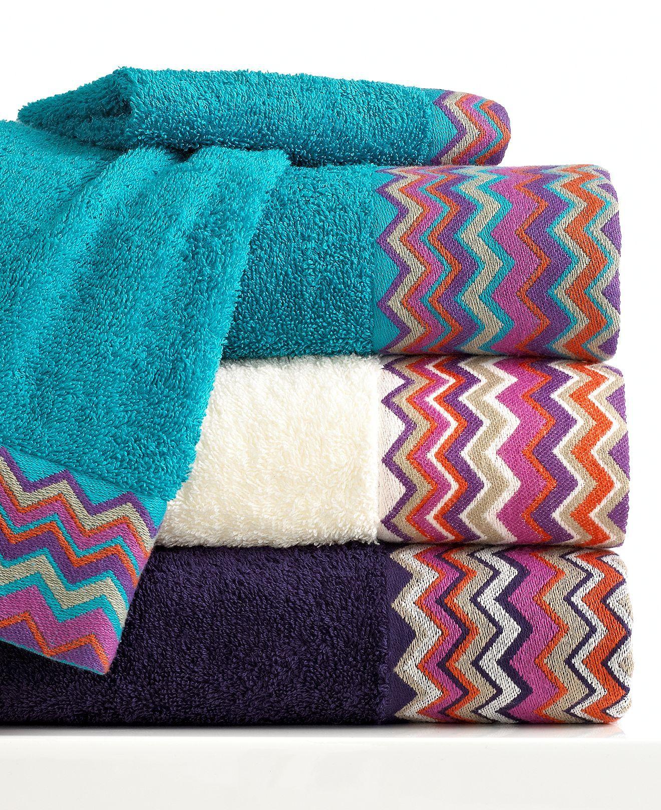 I Need New Washcloths Bianca Bath Towels Rainbow Chevron Collection Bath Towels Bed Bath Macy S Dokuma Havlular Nakis