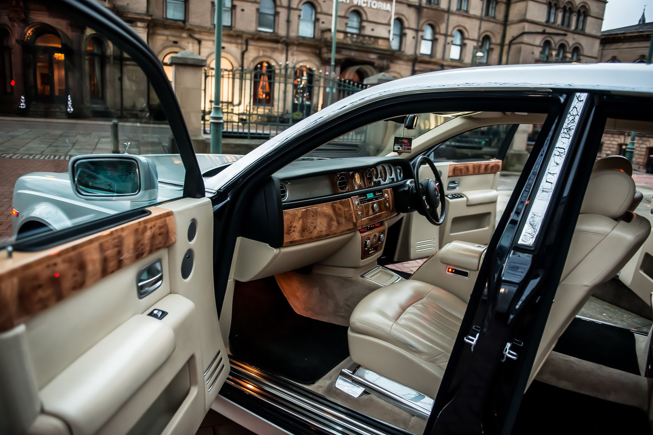 Platinum Rolls Royce Phantom Hire Bradford Wedding Car
