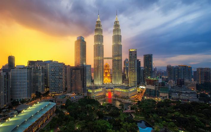 Lataa kuva Kuala Lumpur, pilvenpiirtäjiä, Petronas Towers, illalla, sunset, moderni arkkitehtuuri, Malesia