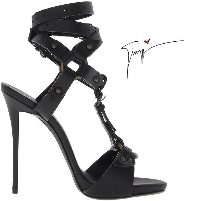 Beautiful Giuseppe Zanotti Leather Sandals Black Studded