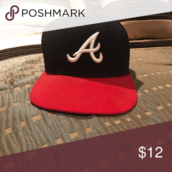 cc863e651 Fitted Atlanta Braves Hat In very good condition. Barely worn in ...