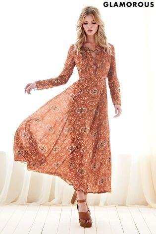 Kúpte si Dlhé šaty Glamorous s ľudovým motívom online ešte dnes v Next   Slovensko 8b9c617fa6