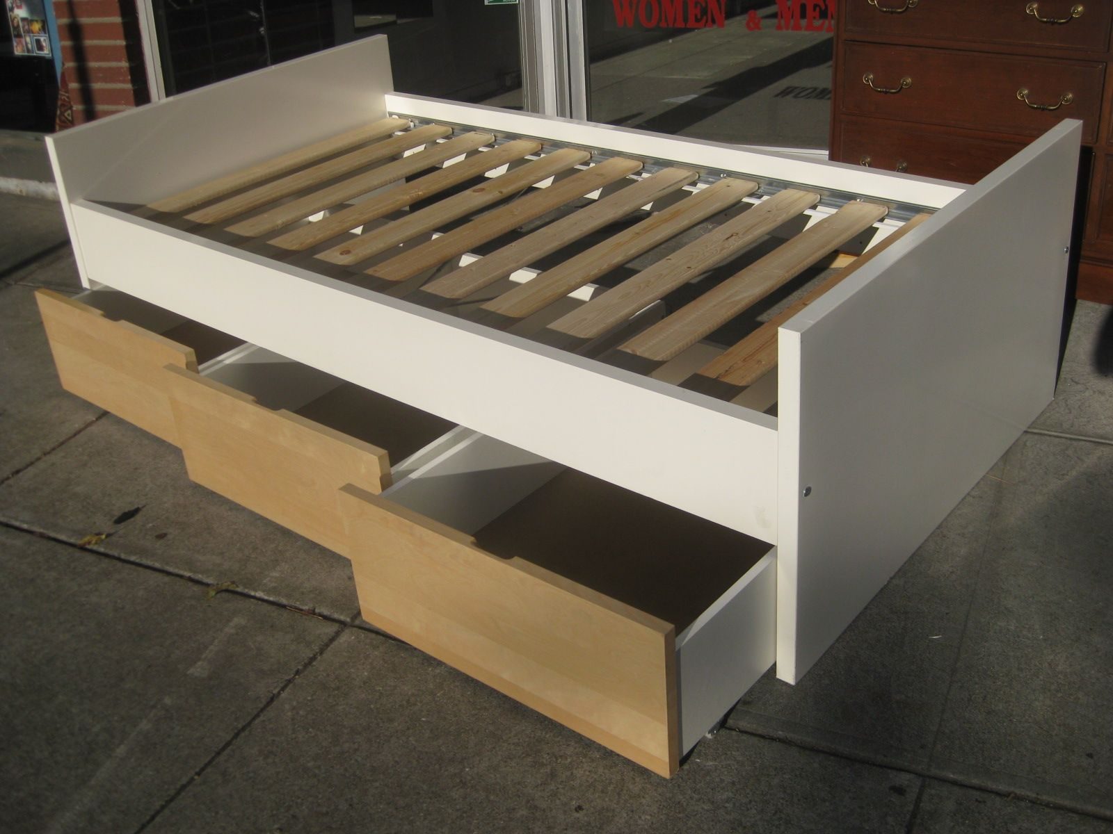 Sculpture Of Beds With Drawers Underneath Twin Bed With Drawers