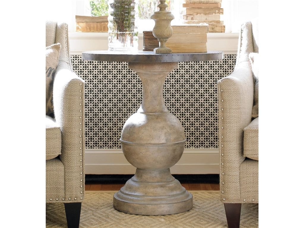 Hooker furniture living room round accent table 500 50 831