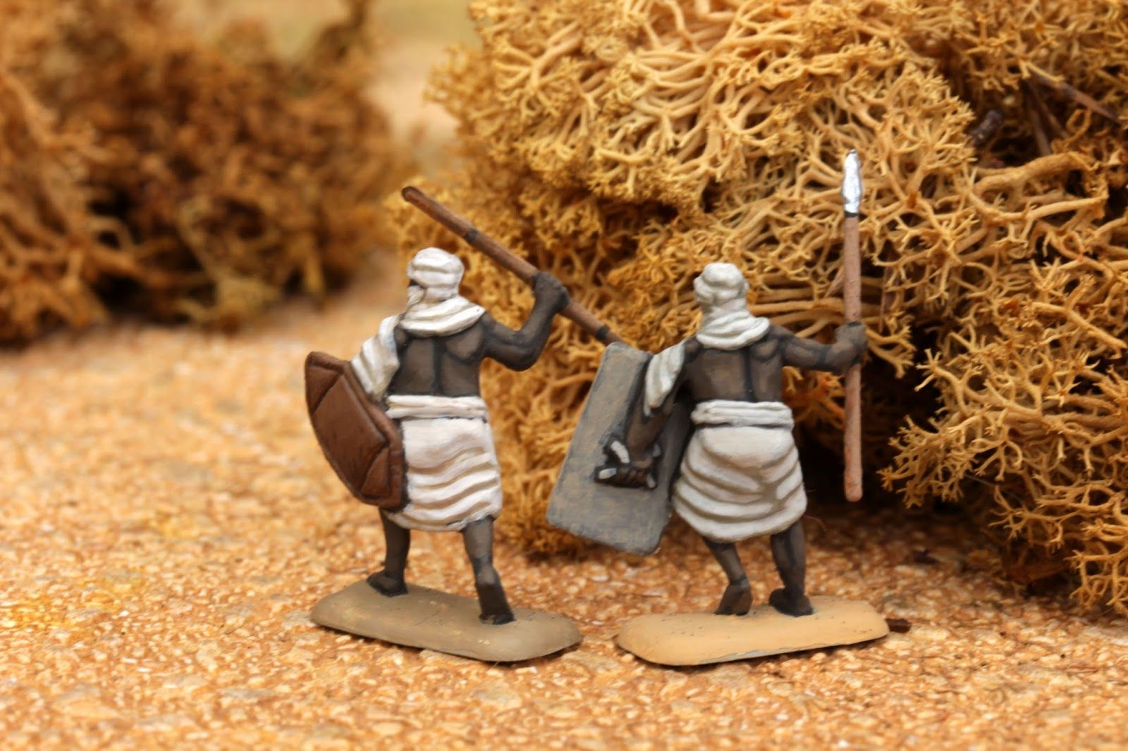 Almoravid Warriors, 1/72 Hät minis - minis figurines figures 20mm 1/72 medieval painting plastic toy soldier miniatures Philotep