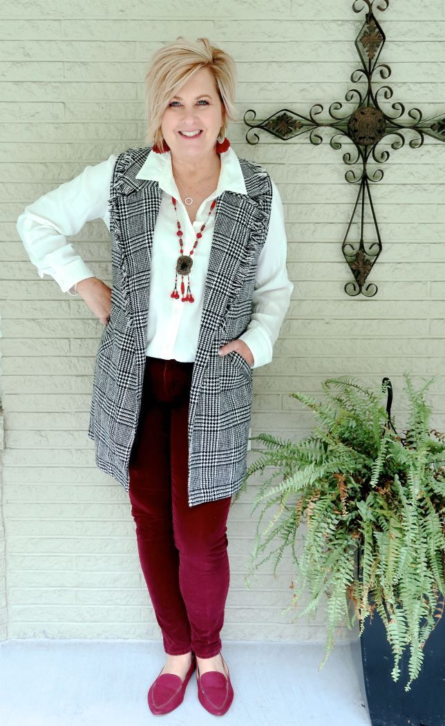 HOW TO WEAR A HERRINGBONE PLAID VEST FOR FALL