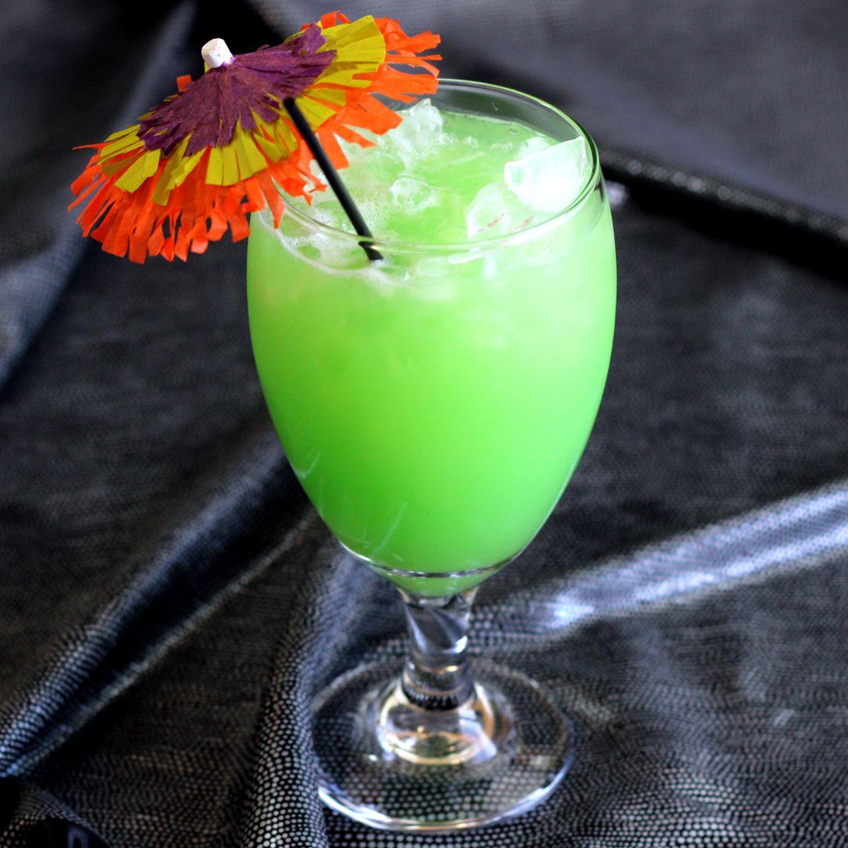 Green Eyes Drink Recipe: Rum, Midori, Coconut Cream