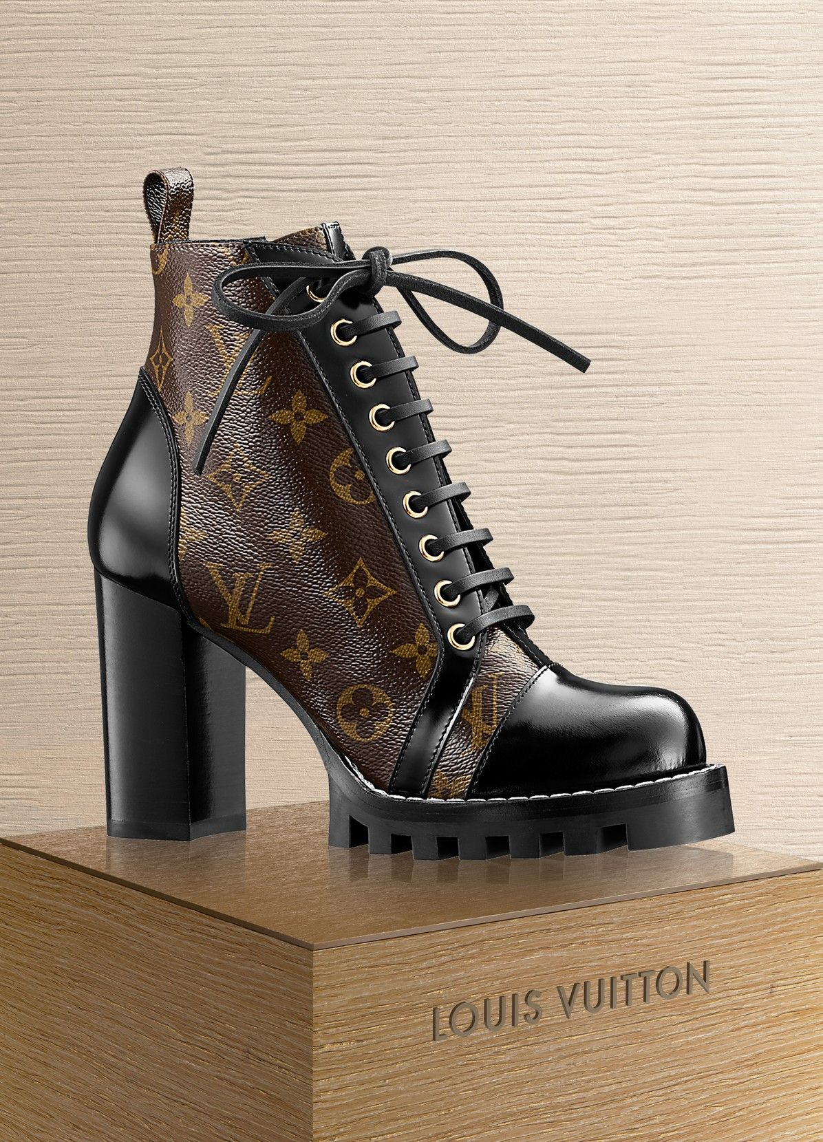 2c5bbf4cd8b0 LOUIS VUITTON Star Trail Ankle Boot