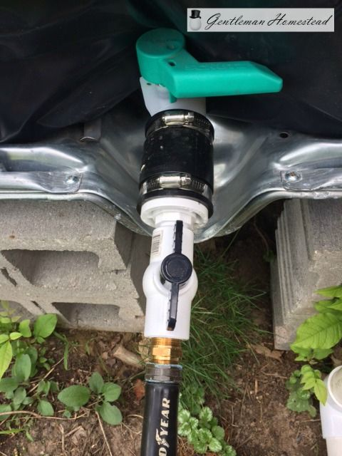 DIY Rain Barrel from a 275 Gallon IBC Water Tote | Gentleman