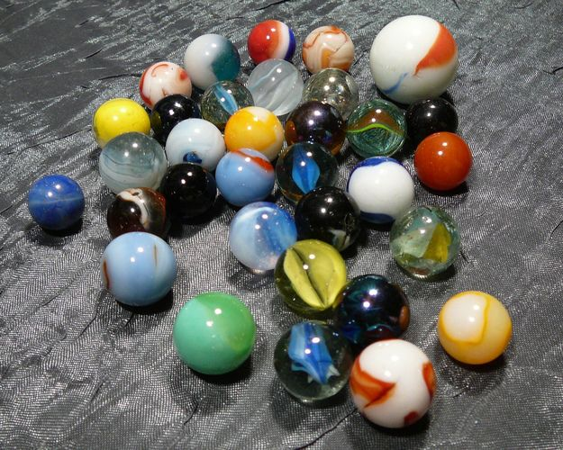 Colorful Assortment Of 30 Plus Vintage Marbles Starting At 10 Marble Color Vintage