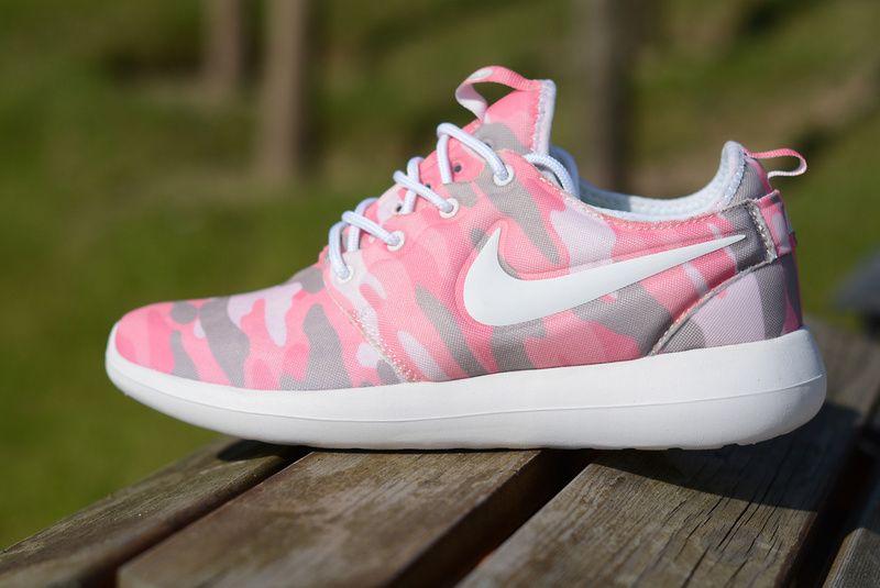 0471ff1b3b384 Laufschuhe 2017 Womens Nike Roshe two running shoes white pink UK Trainer