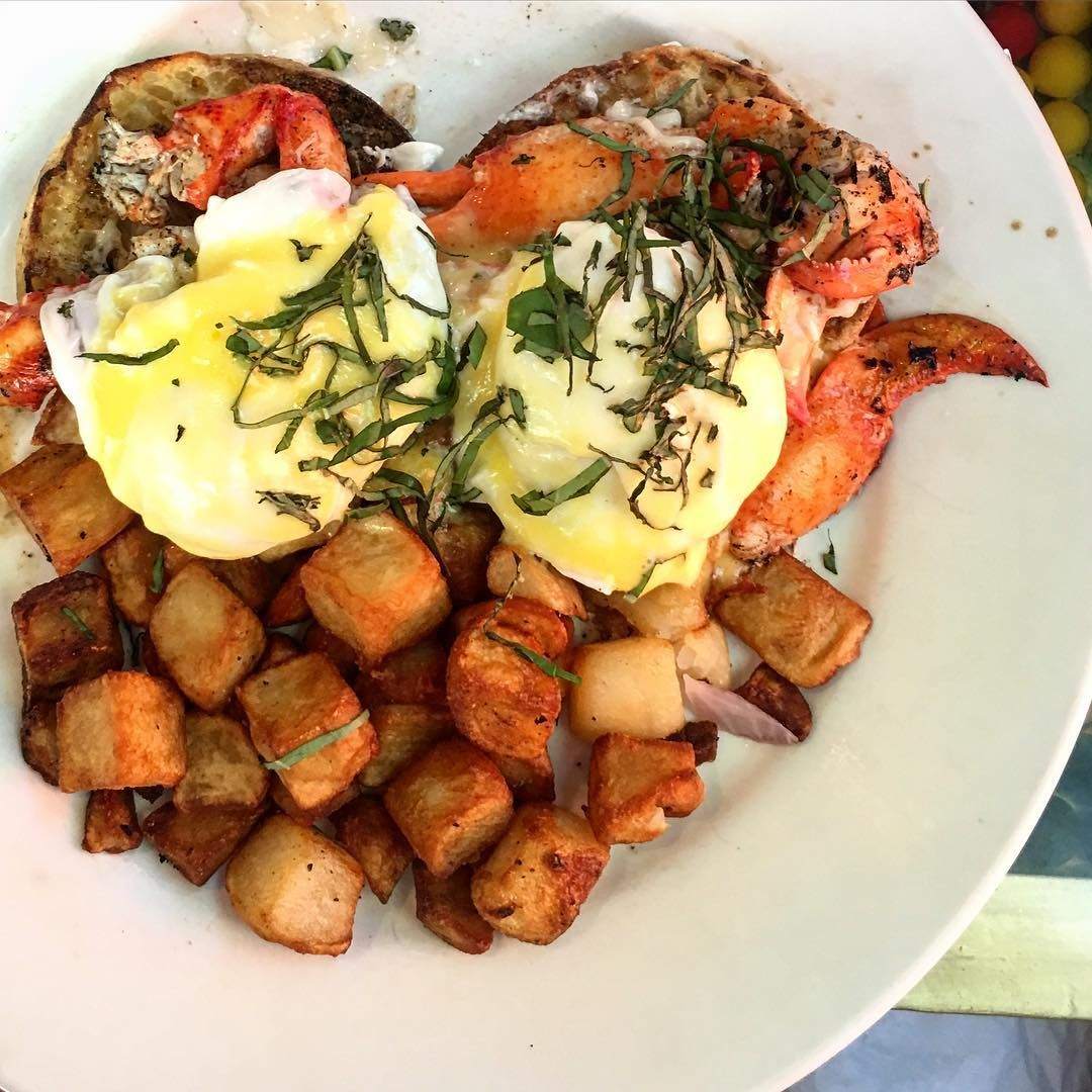 20 delicious places to eat in bar harbor maine pub food