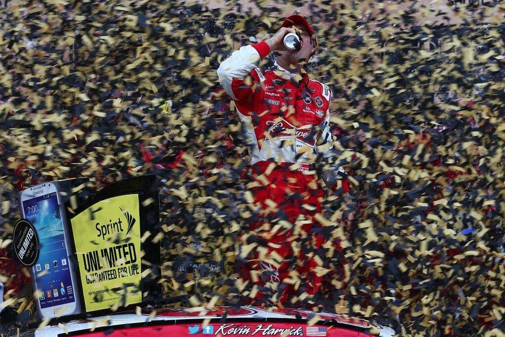 Confetti Dreams Kevin Harvick wins at Kansas Nascar