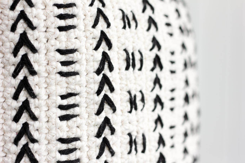 Mud Cloth Crochet Pillow Pattern — Free Pattern!   CROCHET, WEAVE ...