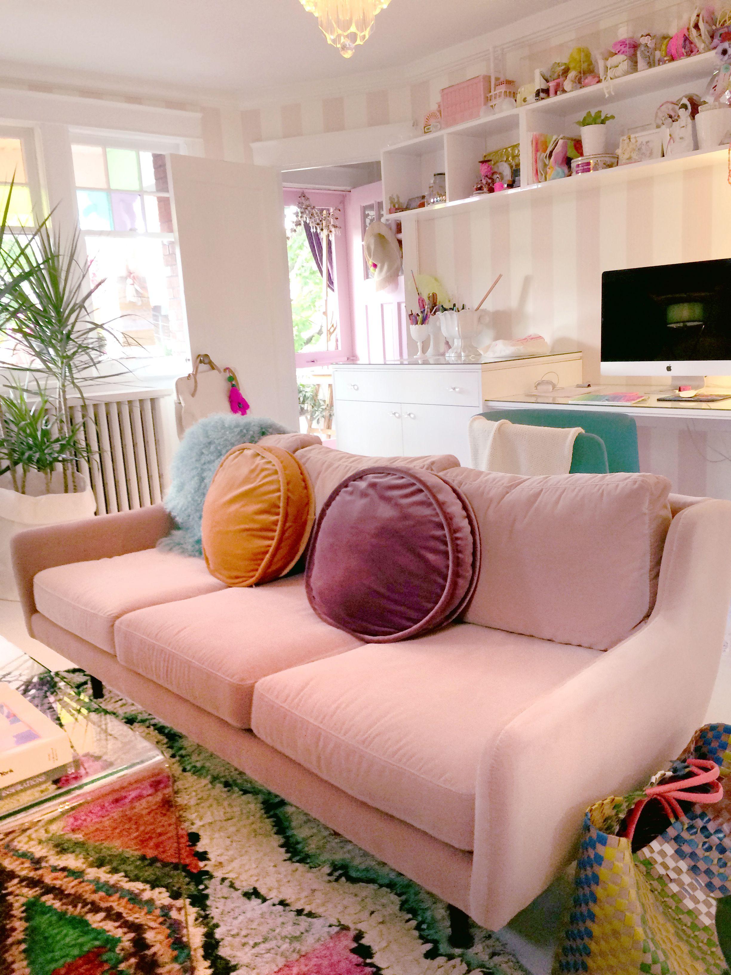Creative Living Room Design On Budget: Tiffany's Creative Living Room Space Dreamy Pink Sofa With