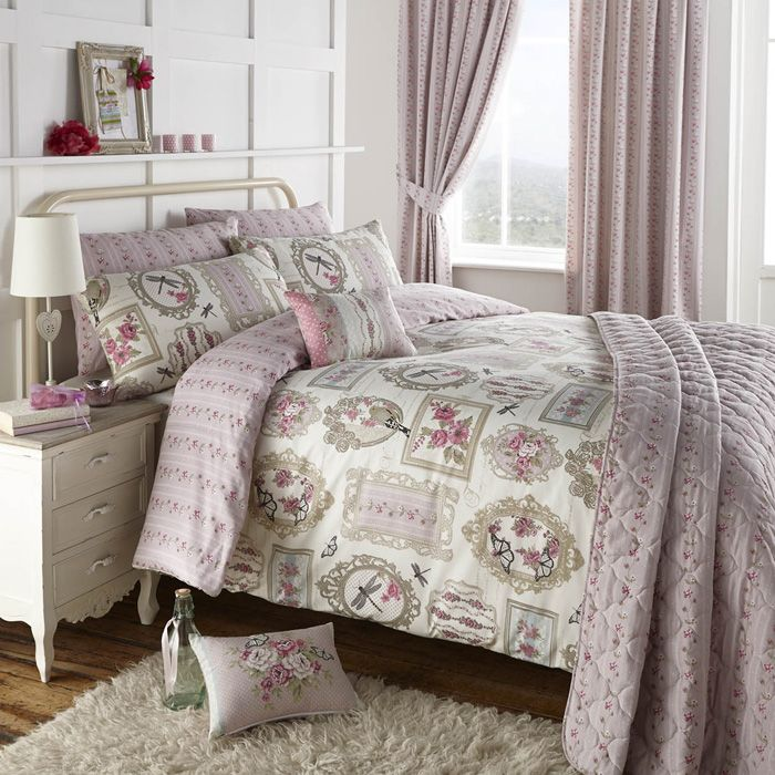 Duvet Cover Set With A Beautiful Rose And Butterfly Design