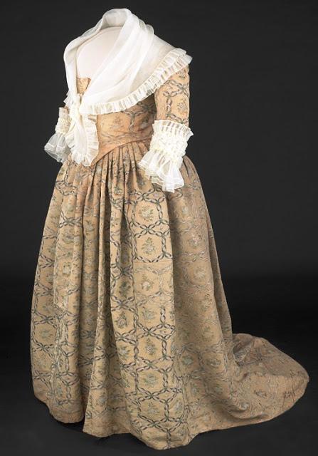 Historia de la Moda y los Tejidos: JUAN DE ALCEGA: UN