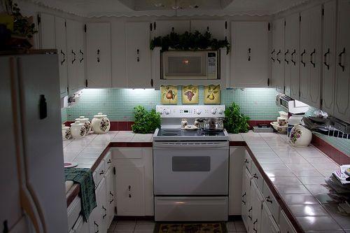 Inexpensive Diy Under Cabinet Lighting Under Cabinet Lighting