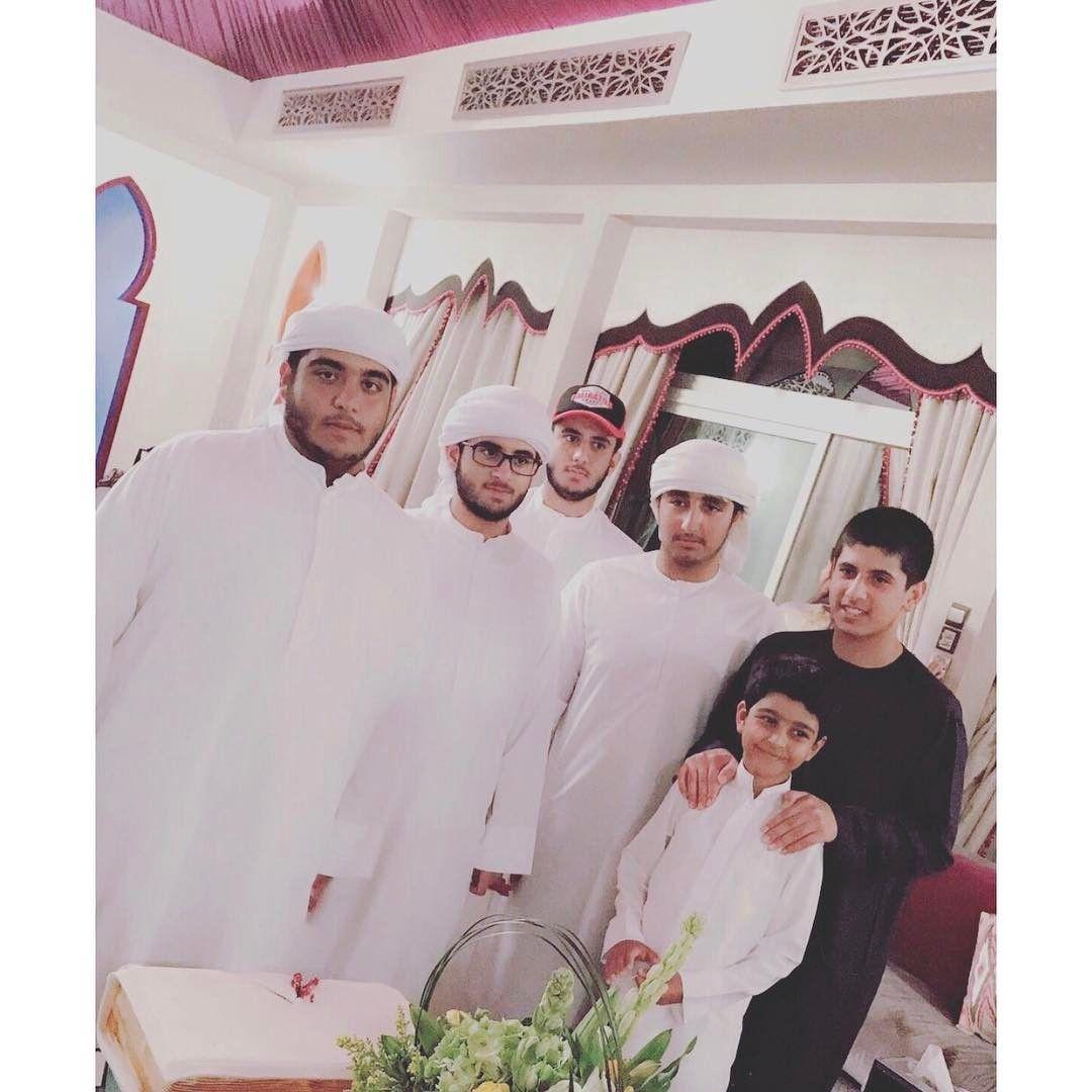 Ahmed bin Maktoum bin Rashid Al Maktoum celebrando su cumpleaños con la familia, 05/2017. Vía: abeerbintmaktoum
