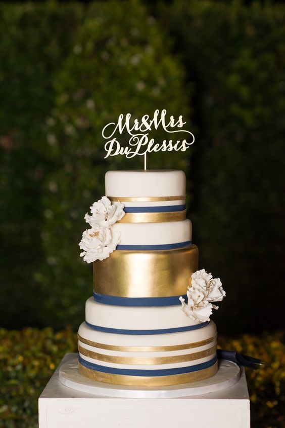 40 Navy Blue And Gold Wedding Ideas Wedding Cakes Pinterest