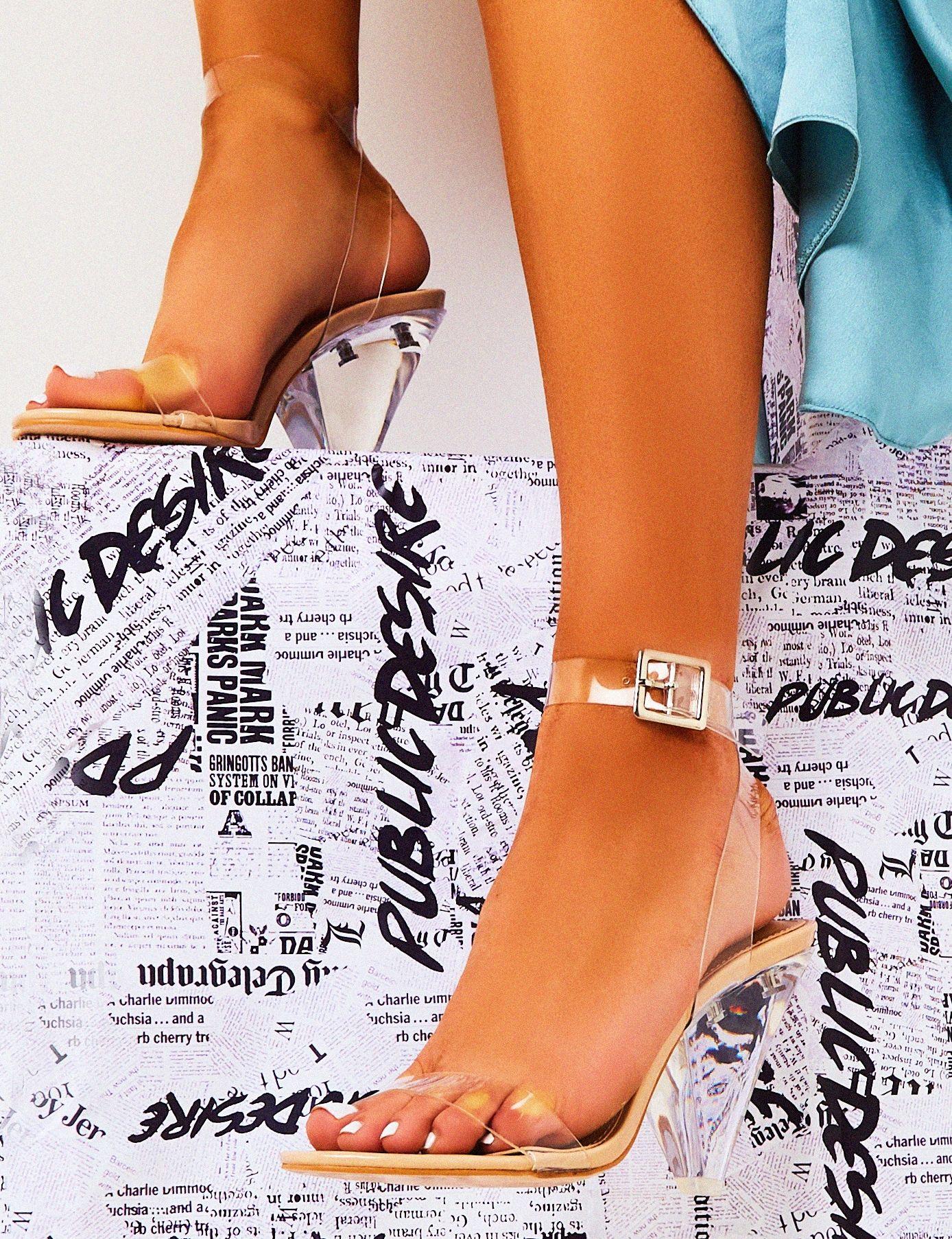 Elegant Shoe Girl in 2020   Elegant