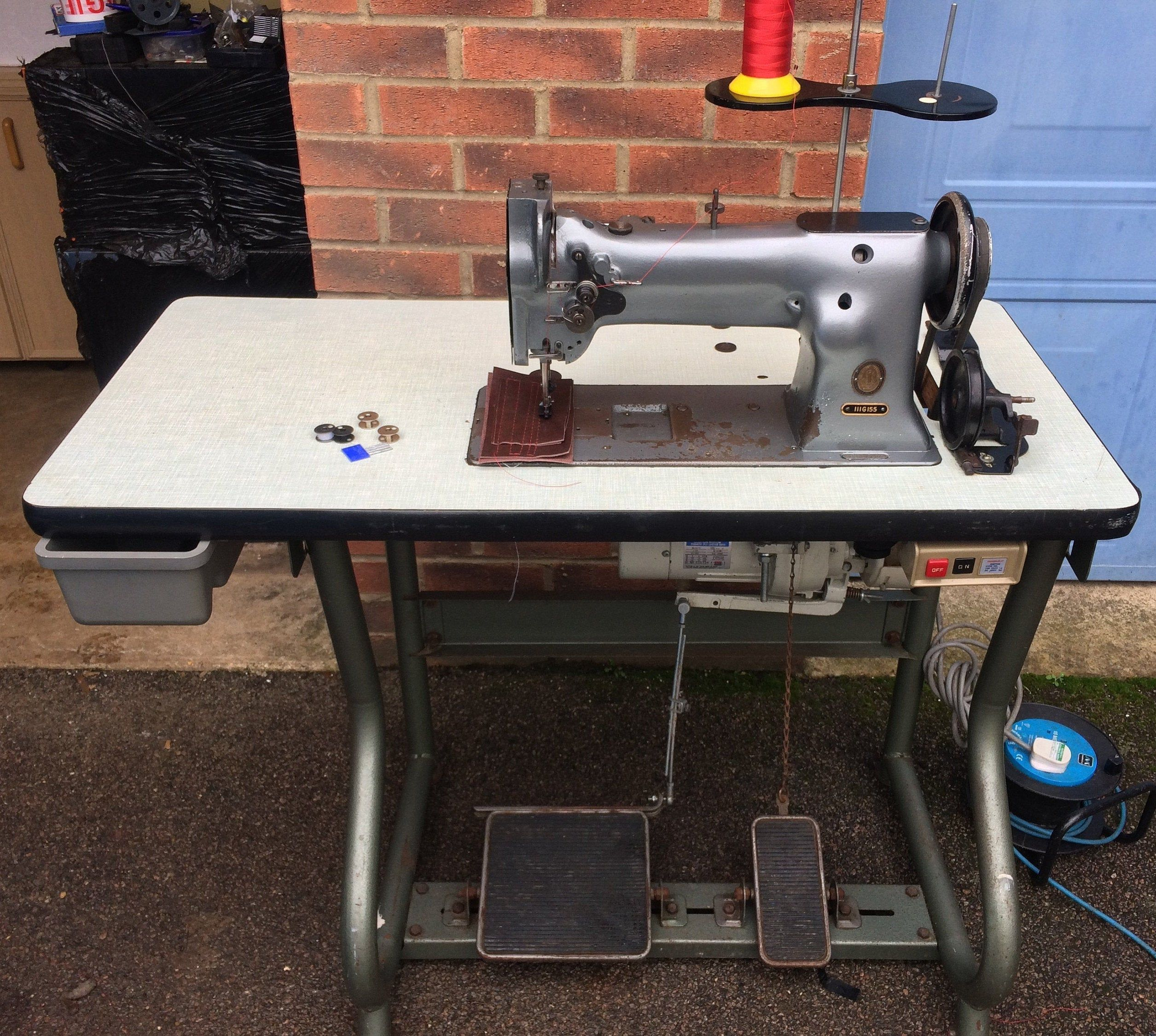 Singer 111g155 Compound Feed Industrial Walking Foot Sewing Machine For Horse Rugs Curtains Handba In 2020 Sewing Machine Vintage Sewing Machines Old Sewing Machines