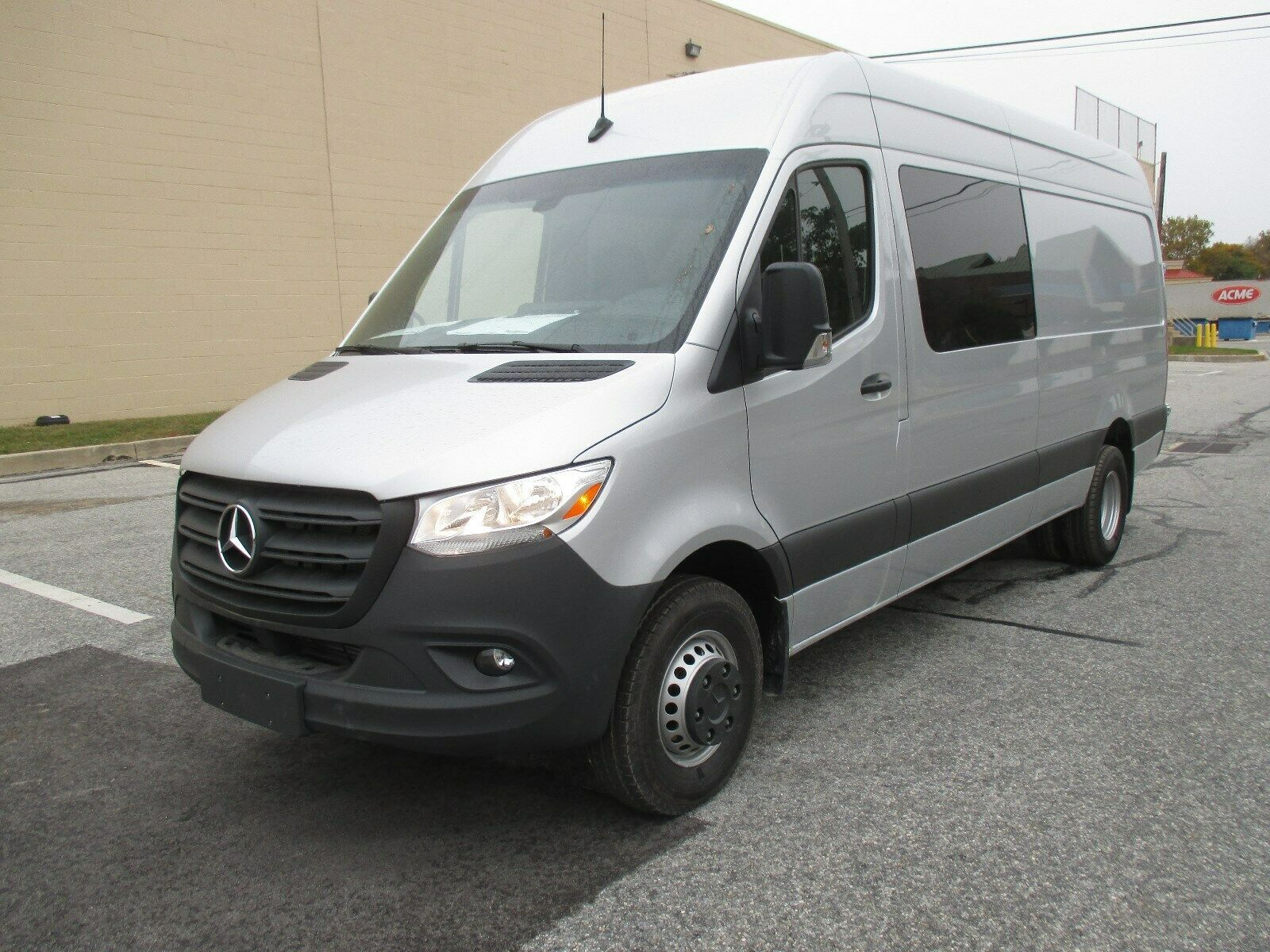Used 2019 Mercedes Benz Sprinter Crew Van 4500 170 New 2019 Sprinter Crew Van 5 Passenger 4500 170 Wb Raised Roof 2020 In 2020 Benz Sprinter Mercedes Mercedes Benz