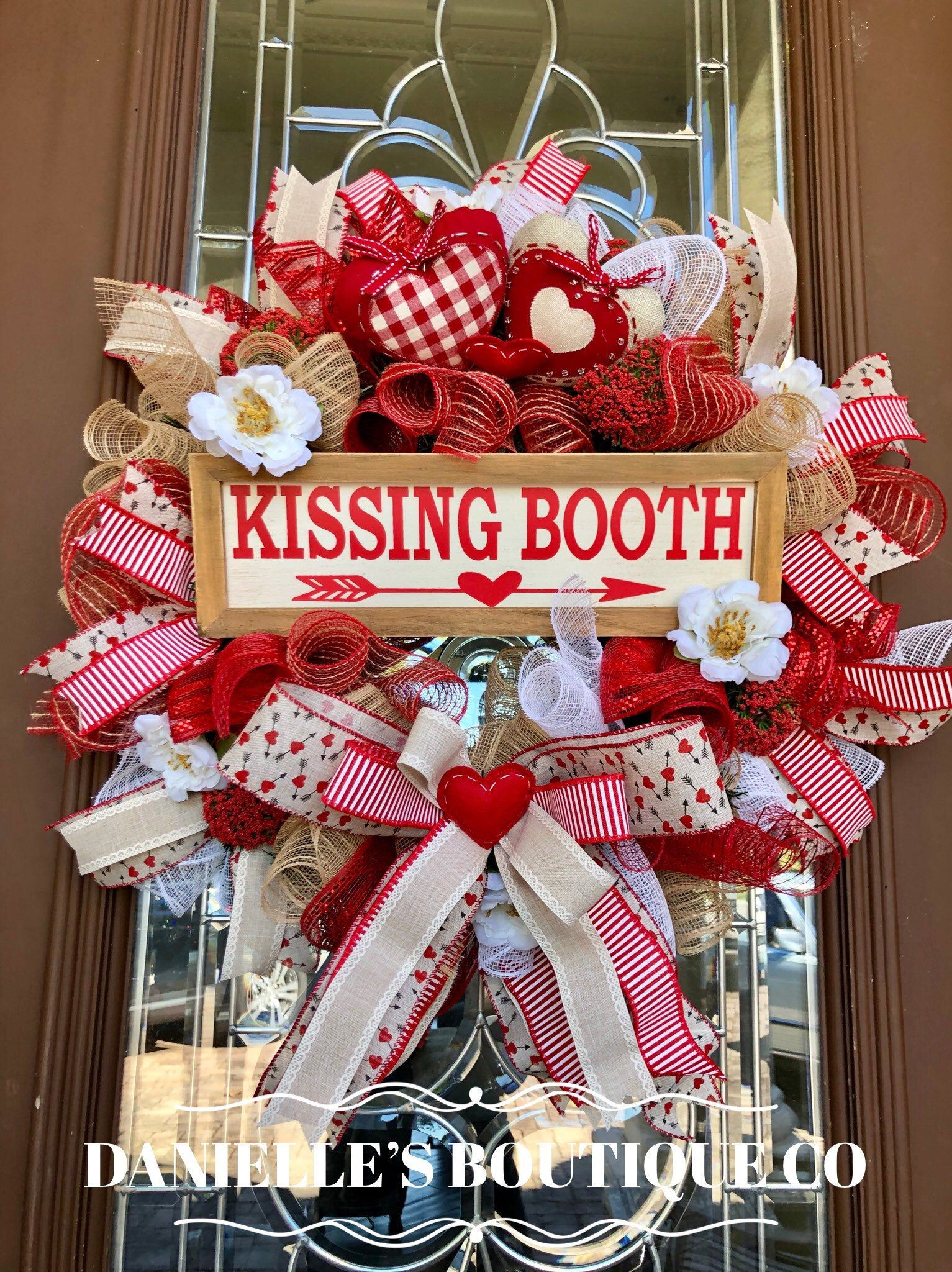 Valentines Day Wreath, Kissing Booth Wreath, Love