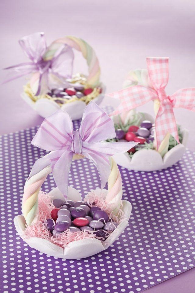 Osterdekoideen Selbstgemacht Tisch Mnms Körbchen Blumen Schleifen