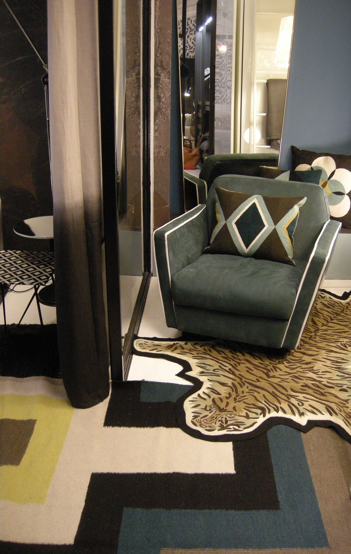 Lindell Co On The Tapis Rouge At Claude Cartier Decoration In