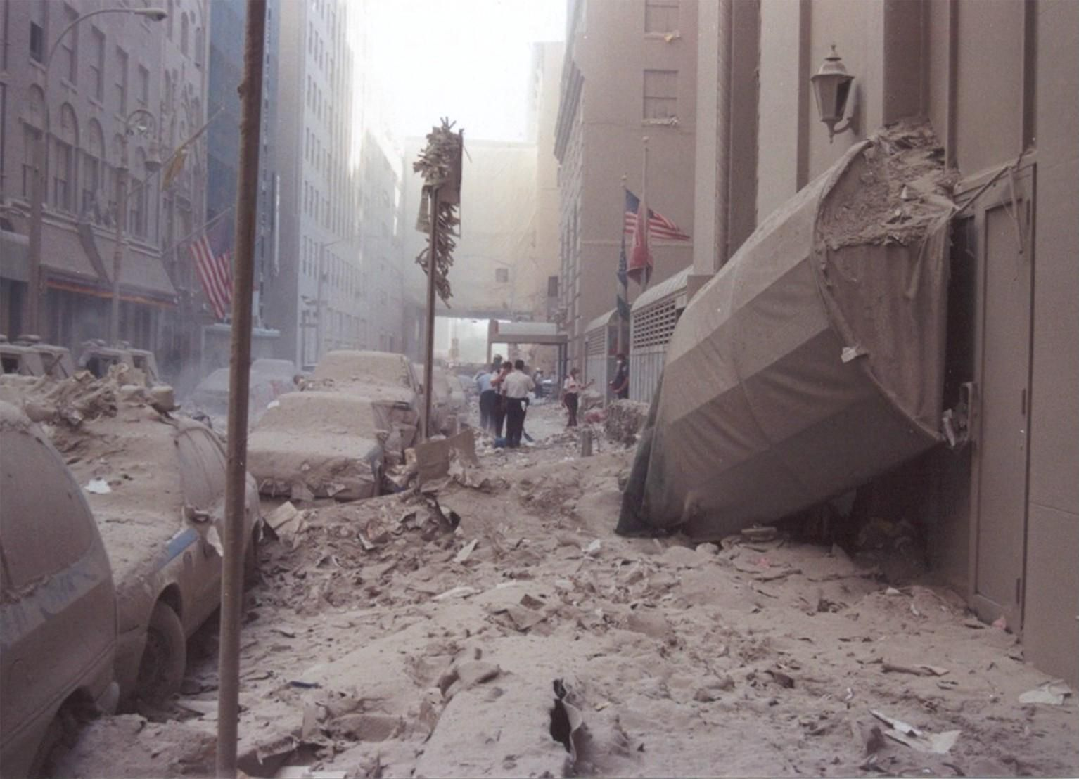 September 11 2001 Raising The Flag At Ground Zero The 50 Most