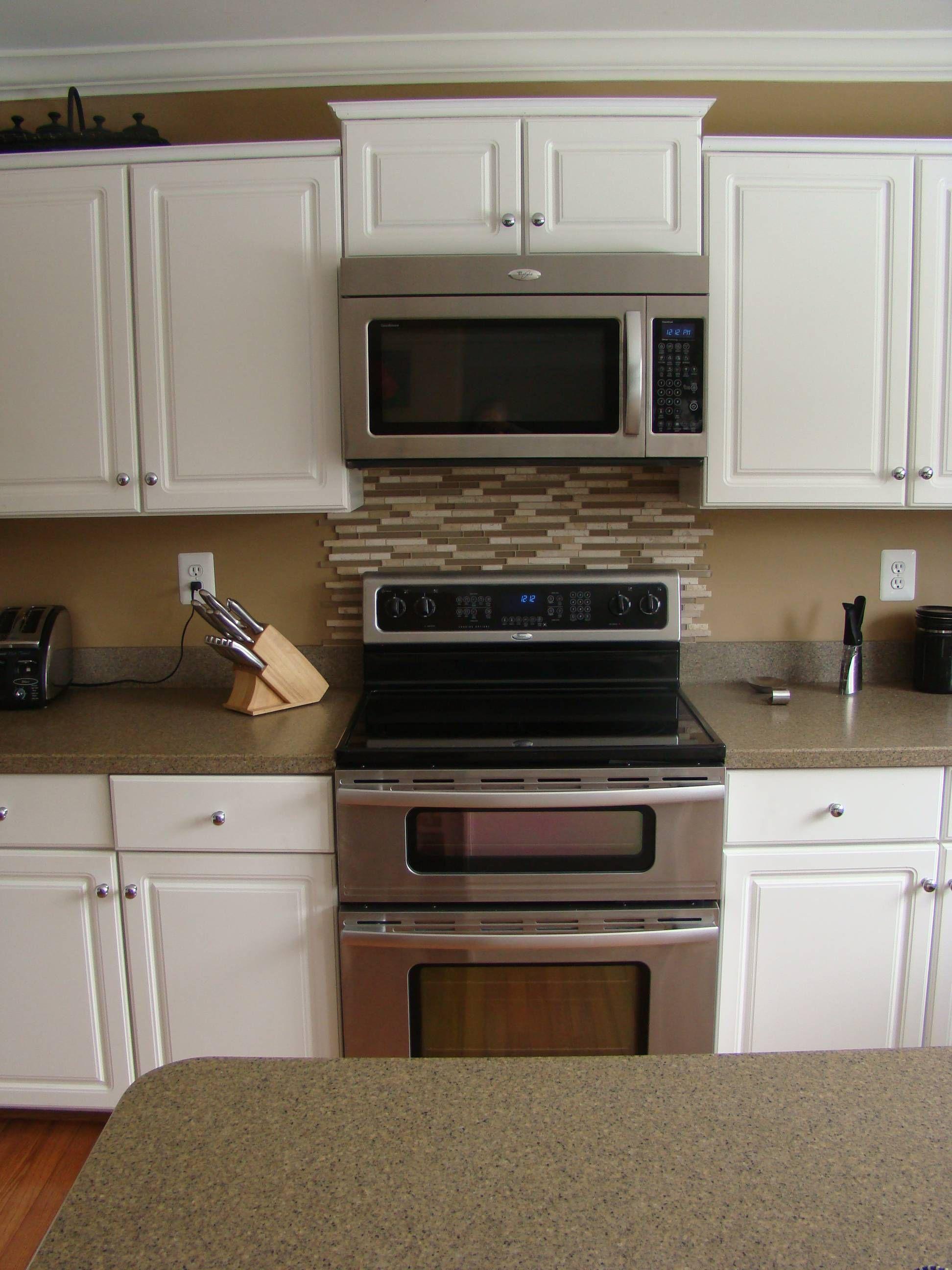 Kitchen Sink Backsplash Designs White Cabinets Doors Paint
