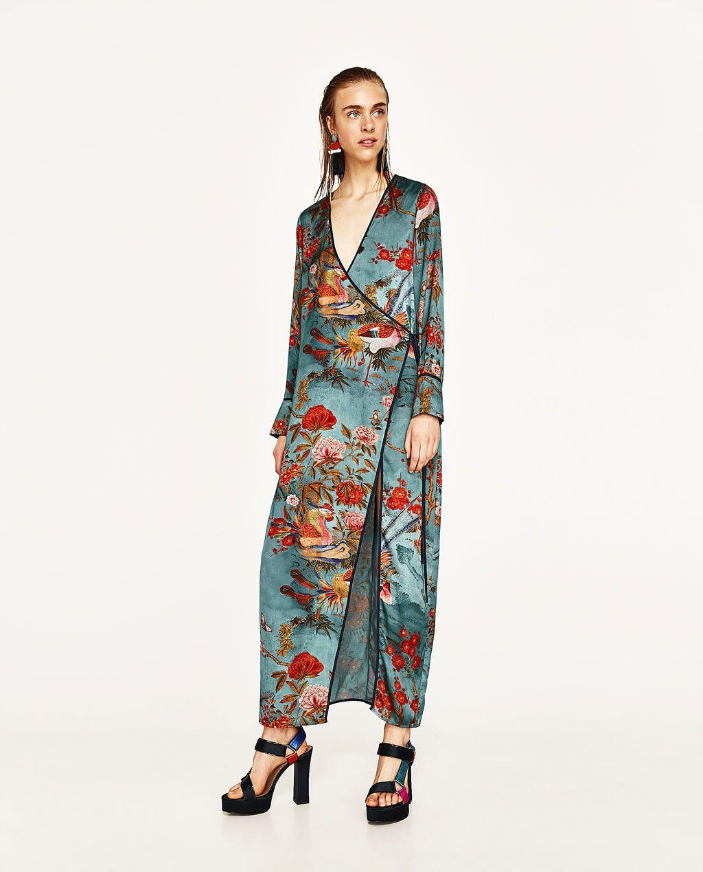 langes gestreiftes kleid mit blumen maxi kleider damen. Black Bedroom Furniture Sets. Home Design Ideas