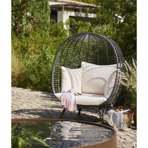 Wilko Garden Snuggle Egg Chair Rattan Effect