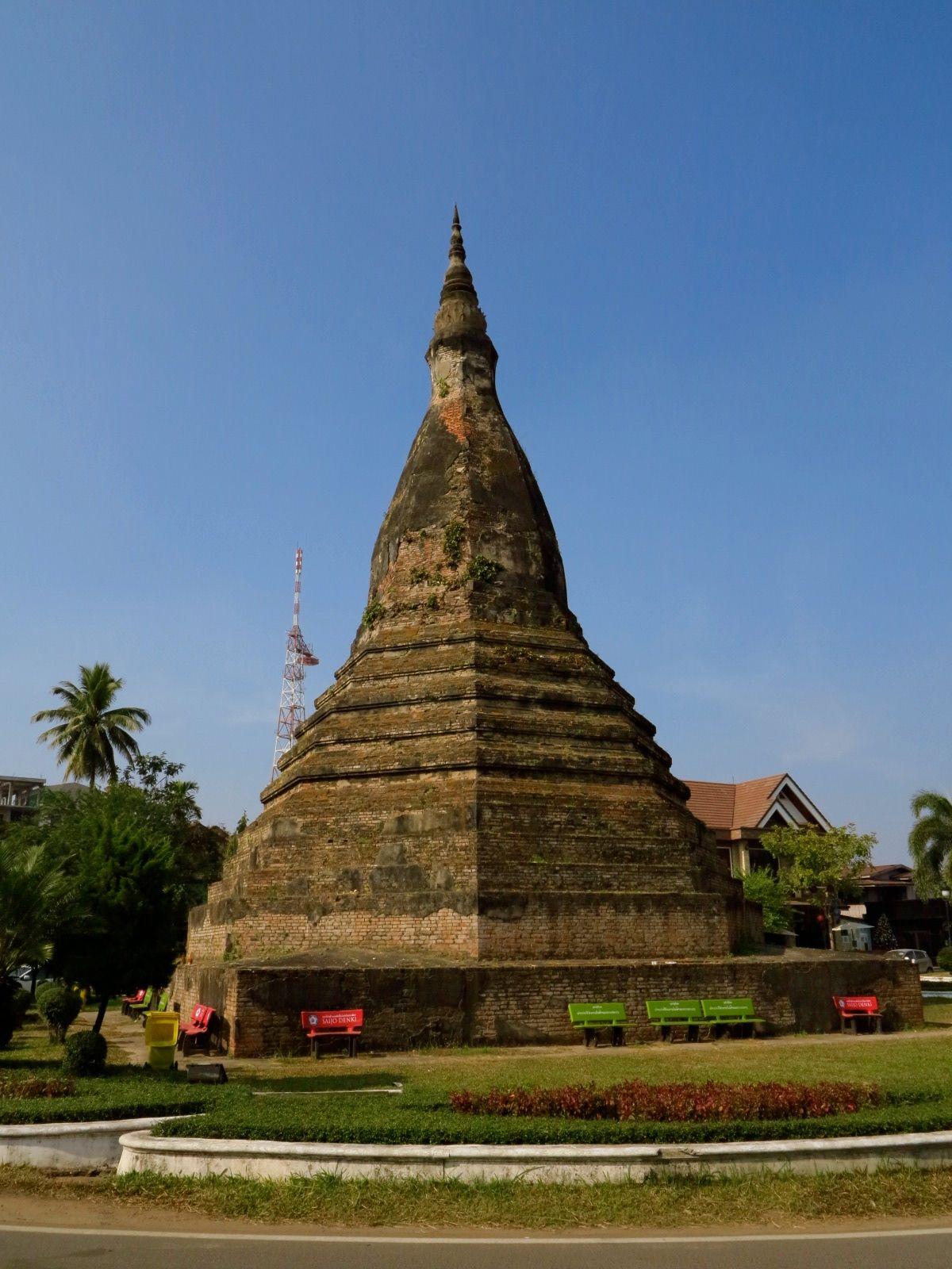 That Dam Stupa In ວຽງຈ ນ Vientiane I Was Here Vientiane