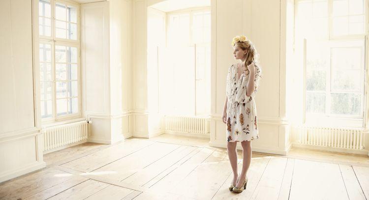 fink und star  Seidenkleid Stoff designt von Daniela Schweizer