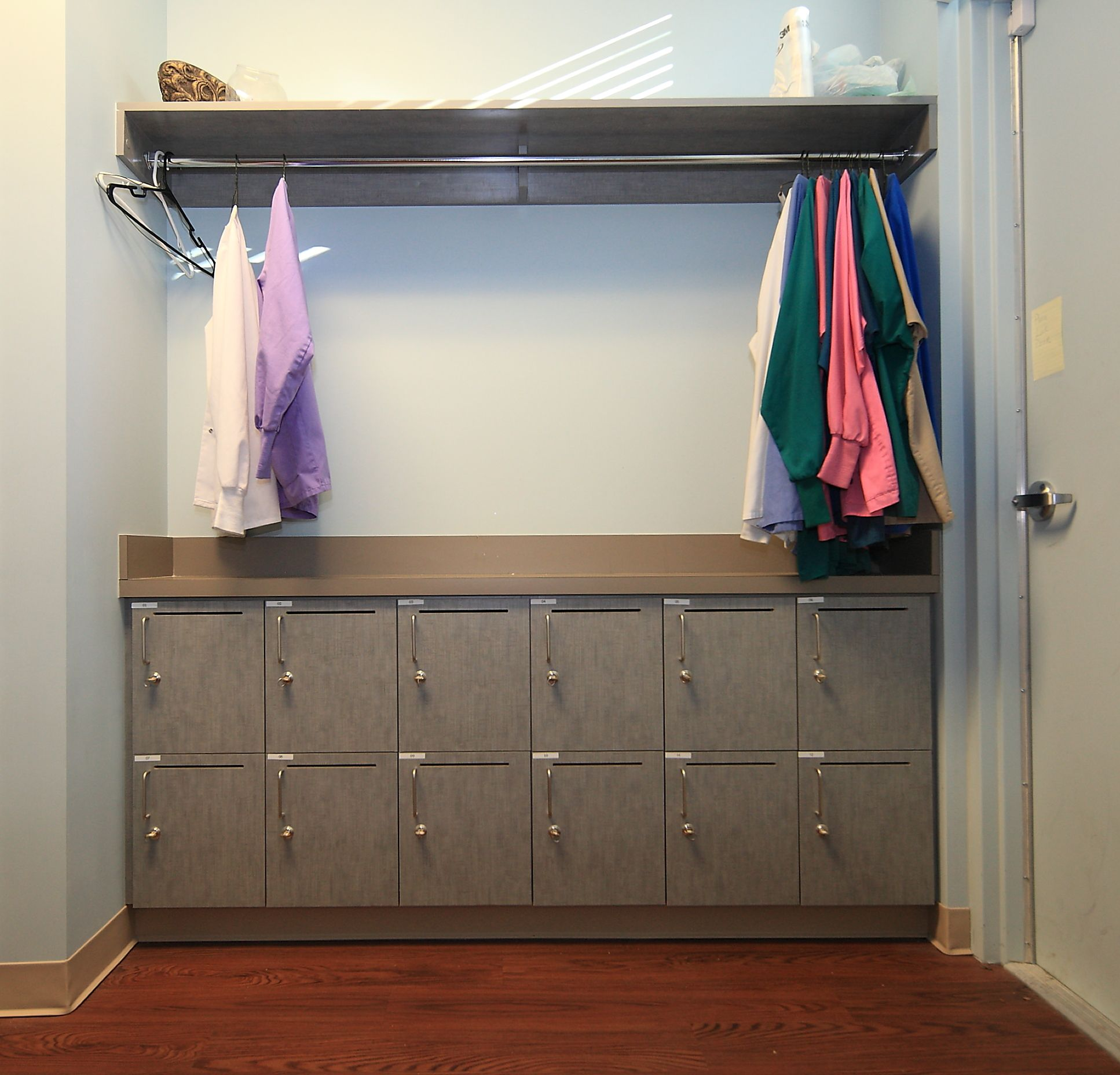 Staff Lounge - cool lockers and place for coats and jackets ...