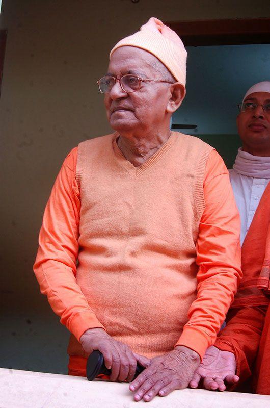 Revered Srimat Swami Prabhanandaji Maharaj, Vice President of Ramakrishna Math and Ramakrishna Mission, Belur Math, during his visit to Ramakrishna Sevashrama, Chittagong. More photos are available at http://www.rkmctg.org/.  #ramakrishna #sarada #vivekananda #vedanta #paramhansa #saradadevi #swami #swamiji #swamivivekananda #vivek #rkm #rkmctg #belurmath #belur #chittagong #bangladesh #mission #sevashrama #maharaj #temple