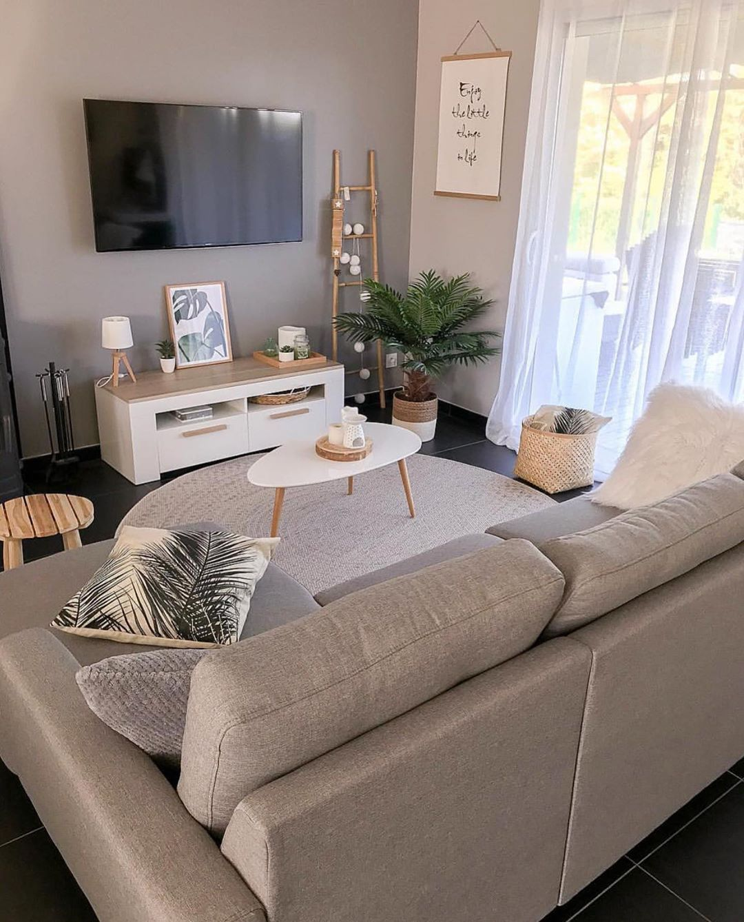 Online Furniture Shopping Made Easy In 2020 Small Apartment Living Room Small Living Room Design Small Apartment Decorating Living Room