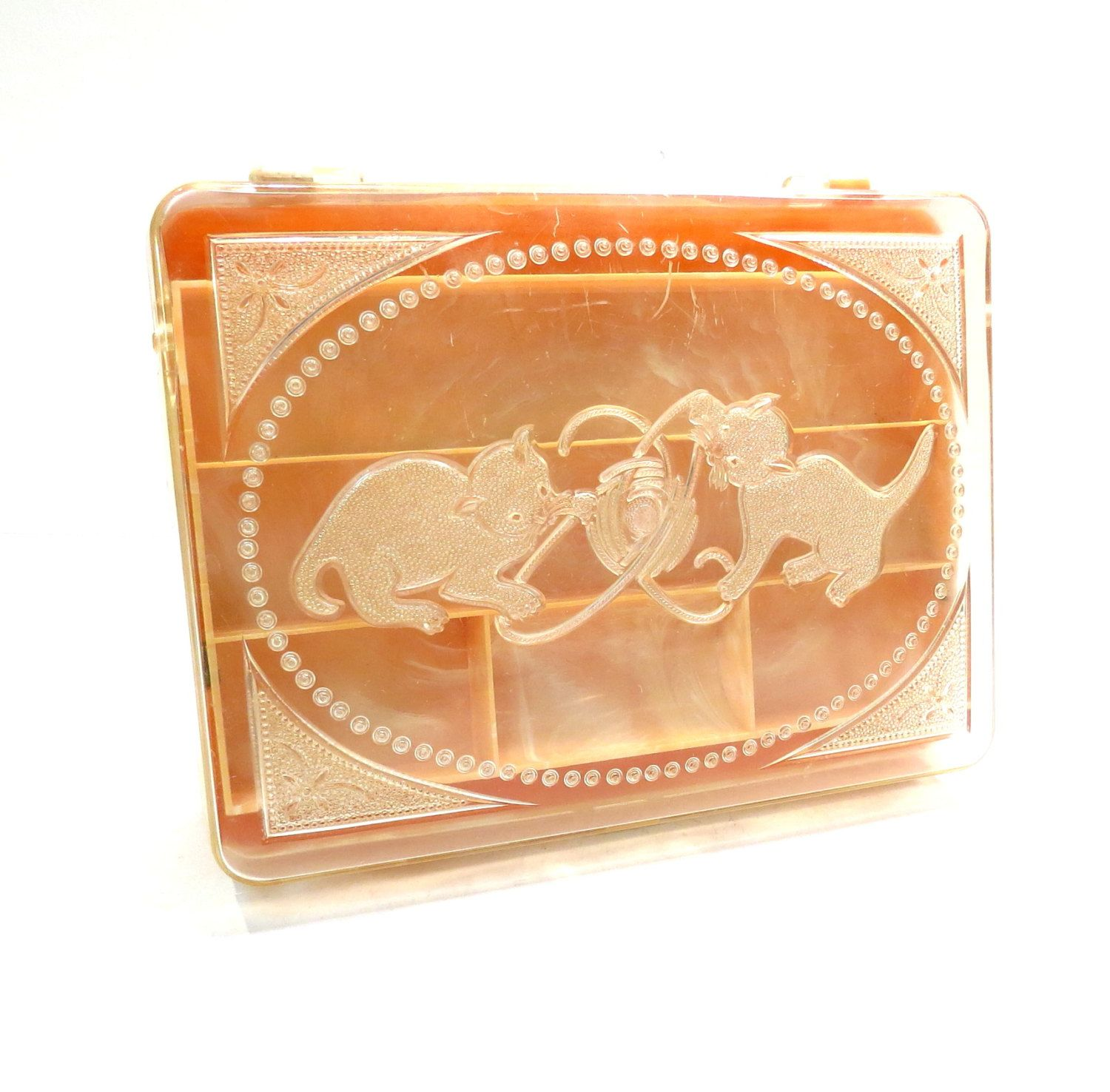 Kittens with Yarn Lucite Jewelry Box Hommer Mfg Vintage 1950s Pink