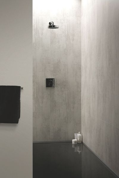 Les Panneaux Stratifies Etanches Wall Water Offrent Une Palette De 28 Decors Grace A Un Renovation Salle De Bain Carrelage Douche Salle De Bain Sans Joint