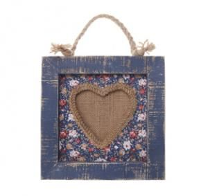 A cute wooden heart photo frame finished in a blue design. Complete with a shabby chic style rope to hang on the wall, this lovely frame is perfect for any room.   My Size: 21cm x 21cm  Price 8.99