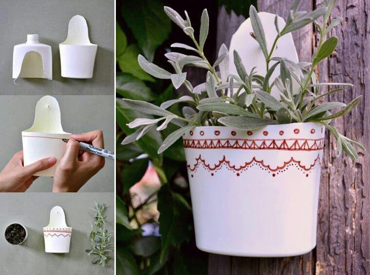 Milk gallon vase crafty ideas pinterest shampoo for Plastic bottle planter craft